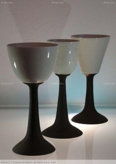 Copas Diseño Porcelana hechas a mano Wine Goblets, Ceramic Mugs, Glaze, Wine Glass, Pottery, Tableware, Vases, Glass, Crystals