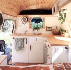 So fresh and so clean clean! Big ups to Curly Cally & Celeste Cameron for creating a beautifully designed home. This is a Toyota Commuter. Van Living, Tiny House Living, Kombi Home, Camper Life, Campers, Camper Van, Bus Life, Van Home, Van Interior