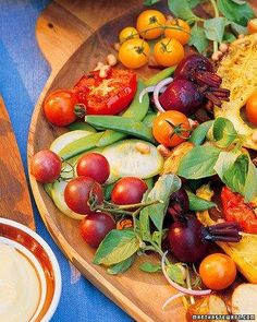 A simple vinaigrette complements this colorful bounty of grilled and raw vegetables. Crookneck Squash, Salad Recipes, Healthy Recipes, Easy Recipes, Vegetarian Recipes, Martha Stewart Recipes, Small Tomatoes, Summer Side Dishes, Raw Vegetables