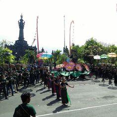 Gladi pembukaan Pesta Kesenian Bali XXXIX pagi ini festival seni tahunan terbesar di Bali.  Apa harapanmu untuk tahun ini?