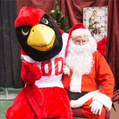 Reggie asking Santa for a big win this weekend in New Hampshire. Both made an appearance at #IllinoisState's Children's Holiday Party for kids and grandchildren of faculty, staff, students, and retirees. #backthebirds