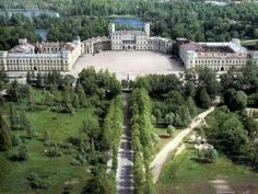 "Italian born architect,Antonio Rinaldi started to build Gatchina Palace in 1766.It took 15 years to complete. ""AL"""