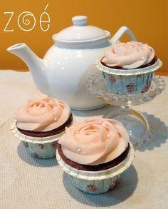 É uma menina! Fizemos estes cupcakes para o chá de fraldas organizado pela Raisa, não ficaram um amor? #zoebakes #cupcakes #flowercupcake #rosecupcake #pinkcupcake #chadefraldas #babyshower #chadebebe