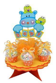 centro de mesa para Baby Shower en color amarillo y azul con animalitos bebes