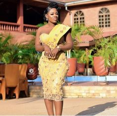 67 Edition Of - chic Trendy Aso Ebi Style Lace & African Print Outfits For the week Aso Ebi Lace Styles, Lace Dress Styles, African Lace Dresses, Kente Styles, Blouse Styles, African Fashion Ankara, Latest African Fashion Dresses, African Print Fashion, African Prints