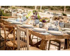 Ejemplo de decoración de boda con azul cielo o azul. #bodas #decoración