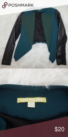 Gianni Bini blazer This opened Gianni Bini in dark green with leather sleeves 💕 in great condition. Size XS Gianni Bini Jackets & Coats Blazers