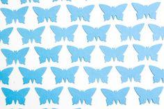 200 Farfalle azzurre fustellate a mano. di BrightSpotOfColour