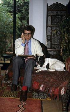 Yves Saint Laurent et Moujik à Marrakech en 1983. Getty Images