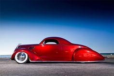 This 1937 Lincoln Zephyr brings new meaning to the term 'sleek profile!' #clublocal