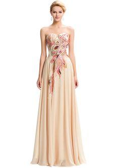 Długa szyfonowa suknia z pawimi piórami, jasny ciepły beż   sukie wieczorowe