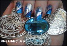 Nail art en plata y azul http://estilo-y-hogar.blogspot.com.es/2014/04/pasion-mediterranea-con-armadura-urbana.html