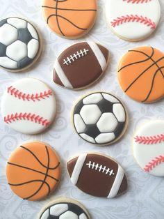 Assorted Sports Ball cookies- One Dozen Decorated Sugar Cookies Iced Cookies, Cute Cookies, Cookies Et Biscuits, Fondant Cookies, Basketball Cookies, Football Cookies, Sugar Cookie Royal Icing, Summer Cookies, Chocolate Filling