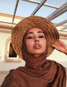 ZAFUL offers a wide selection of trendy fashion style women's clothing. Islamic Fashion, Muslim Fashion, Modest Fashion, Casual Hijab Outfit, Hijab Dress, Hijab Fashion Inspiration, Mode Inspiration, Muslim Girls, Muslim Women