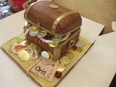 treasure chest cake  Cake by Enchanting Cupcakes by Rebecca