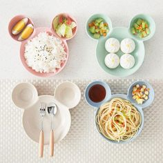 Cheap Dishes & Plates, Buy Directly from China Cartoon Mouse Feeding Plate Bowl Small Chips Snacks Dishware Dishes Children Dinner Plate Lovely Dish wheat straw Tableware Cute Kitchen, Kitchen Items, Kitchen Gadgets, Kitchen Tools, Kitchen Dining, Cozinha Do Mickey Mouse, Baby Plates, Kids Plates, Snacks Dishes