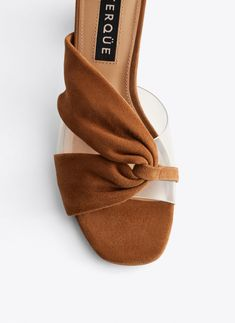 Suede and vinyl sandals with wooden heel - View all - Footwear - Uterqüe United Kingdom - Sapatos Femininos Shoes Flats Sandals, Leather Sandals, Studded Heels, Best Running Shoes, Hot Shoes, Luxury Shoes, Shoe Collection, Me Too Shoes, Fashion Shoes