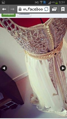 Amazing caftan ♥_♥ Oriental Dress, Sari, Moroccan Caftan, Kaftans, Arabesque, Silk Flowers, Special Occasion Dresses, Pretty Outfits, Fashion Beauty