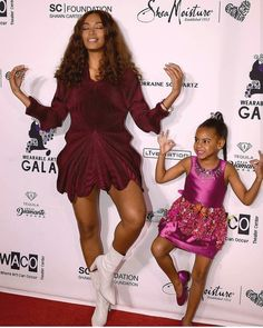 Beyonce, Jay Z, and daughter Blue Ivy attended grandma Tina Lawson's Wearable Art Gala at the California African American Museum in. Tina Knowles, Solange Knowles, Jay Z, Cute Celebrities, Celebs, Beyonce Family, King B, Blue Ivy Carter, 2pac