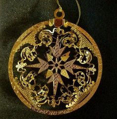 Danbury Mint Annual 2002 SNOWFLAKE ENCHANTMENT Gold Plated Christmas Ornament