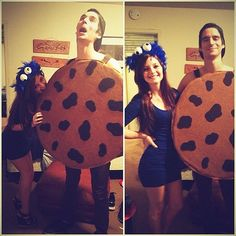 Creative Halloween Couples Costume Ideas Cookie Monster and a cookie (Could use ping pong balls for cookie monsters eyes) #DIY #Cheap #Funny