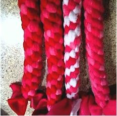 Did you ever Boondoggle? Well here is an opportunity to learn with this latest winning craft contribution from Emily of Wasalia, Alaska who likes to craft.