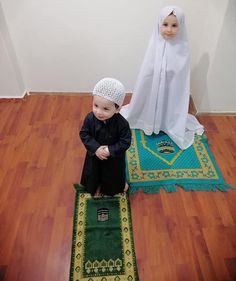 May Allah grant us children who will pray for our akhira 🤲 Ameen *** May Allah accept all our dua's during this beloved month 🤲 *** Please… Baby Girl Images, Baby Girl Pictures, Cute Little Baby, Cute Baby Girl, Baby Hijab, Cute Kids Photos, La Ilaha Illallah, Sutra, Cute Babies Photography