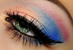 Pretty eye make up! Yes this is pretty but you need to remember this only works on some people u have to have the iChat eye shape u could do the make up exactly how she dose it still wouldn't look the same if its not your eye shape try sticking to stuff that fits your eye shape #staybeautiul