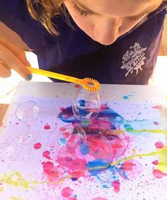 Bubble Painting with Bubble Blowers Using just two ingredients this super fun bubble blower painting will have your kids spellbound! Great Spring and Summer activity for kids The post Bubble Painting with Bubble Blowers appeared first on Summer Diy. Kids Crafts, Toddler Crafts, Projects For Kids, Kids Diy, Creative Ideas For Kids, Decor Crafts, Fun Art Projects, Art Project For Kids, Spring Art Projects