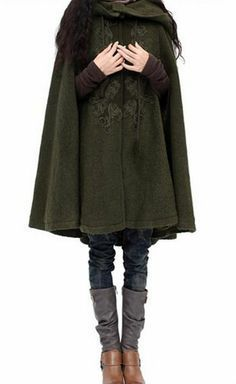 Cute cloak from Artka. Love the boots and leggings underneath. an elvish touch. I wish wearing a cloak was socially acceptable. Mode Kpop, Fantasy Costumes, Inspiration Mode, Mode Vintage, Look Cool, Costume Design, Ideias Fashion, Style Me, Winter Fashion