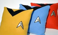 Geek out in total comfort with this cleverly designed set of Star Trek pillows. This complete set of geeky throw pillows includes the gold command pillow, blue science pillow, and red engineering pillow – or you can order each pillow individually. Best Pillow, Pillow Set, Pillow Talk, Star Trek Tos, Star Wars, Geeks, Ghibli, Star Trek Shirt, Star Trek Uniforms