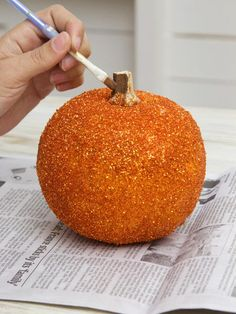 How to Make Glittered Pumpkins : Decorating : Home & Garden Television @Kayla Navarro let's do this
