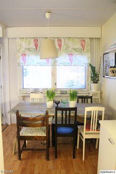 konyha, étkező asztal, étkező szék, függöny