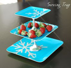 DIY Serving Tray: great idea for those after-Christmas $1 walmart plates