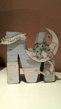 #scrap #scrapbooking #letter #inicial #regalosparabebes #inicialscrap #dayka #daykatrade Wood Letter Crafts, Frame Crafts, Diy Crafts, Craft Frames, Foam Letters, Wooden Letters, Alphabet Letters Design, Wooden Cutouts, Baby Scrapbook