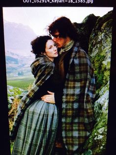 Sam Heughan's favourite pic of Jamie and Claire, from his Twitter Q&A 24.4.15