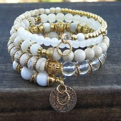 White Dreams II - Gold-Plated Memory Wire Bracelet and Matching Earrings. what a pretty bracelet and such great inspiration! Memory Wire Jewelry, Memory Wire Bracelets, Artisan Jewelry, Handcrafted Jewelry, Beaded Jewelry, Beaded Bracelets, Wrap Bracelets, Jewellery, Necklaces