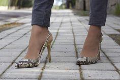 Fashion and Style Blog / Blog de Moda . Post: Spring look / Look para la primavera   .More pictures on/ Más fotos en : http://www.ohmylooks.com . Llevo / I was wearing : Blusa / Blouse : Zara ; Jeans : Hollister ; Bolso / Bag : Zara