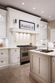 Cream Painted Designer Kitchen   Bespoke Kitchens   Tom Howley