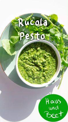 Rucola Pesto – das 2 Minuten Rezept Arugula Pesto - the 2 minute recipe. Vegan and quick recipe with Health Benefits Of Walnuts, Walnuts Nutrition, Quick Chicken Recipes, Quick Recipes, Vegan Recipes, Pesto Vegan, Vegan Parmesan, Antipasto, Dandelion Recipes