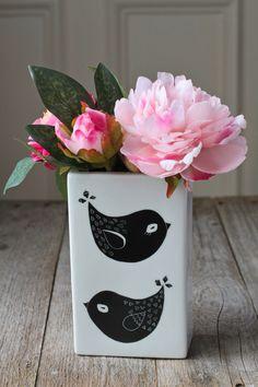 Bird vase // Vase oiseau. €18,00, via Etsy.