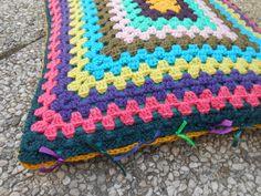 granny cushion B-side