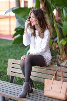 Tights and pantyhose fashion inspiration. Pantyhose Fashion, Pantyhose Outfits, Fashion Tights, In Pantyhose, Nylons, Colored Tights Outfit, Grey Tights, Cute Fashion, Girl Fashion