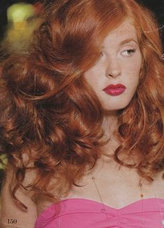 big red hair <3 shes so beautiful