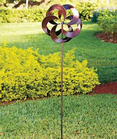 With its gleaming copper finish, the oversized Triple Action Garden Windmill Stake will become the focal point of your yard. When the wind catches on the pin Diy Garden Decor, Garden Art, Garden Design, Garden Ideas, Garden Windmill, Wind Sculptures, Wind Spinners, Modern Sculpture, Sculptures