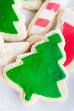 The PERFECT soft sugar cookie. Plus How to Ice your cookies the EASY way! You definitely need to know this method anyone can do it!!
