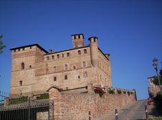 Il Castello di Grinzane Cavour è un'imponente fortificazione situata a Grinzane Cavour in provincia di Cuneo.