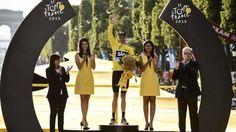 Chris Froome vince l'ultima edizione de Le Tour de France, aggiudicandosi la competizione per la seconda volta nella sua carriera.  Chris Froome won the last edition of Le Tour de France, winning the competition for the second time in his career.  #SchianoOfficial #biciclette #bicycle #cycling #sport #TDF2015