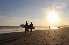 Se você não sabe o que fazer em Bali, a resposta é simple: vai para a praia, curta o sol, o mar e admire os surfistas.