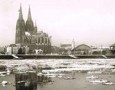 1963_Eis auf dem Rhein-Ende Januar trieben dicke Eisschollen auf dem Rhein... Eisigkalt war es...